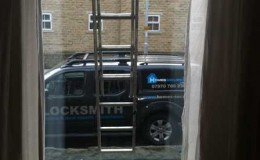 Replacement double glazed glass panel